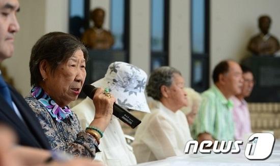 ▲ナヌムの家で開かれた「韓日修交50年に対する被害者の立場」記者会見でカン・イルチュル、ハルモニが発言している