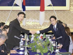 韓国政府、遺産登録に反対せず…両国協力で一致