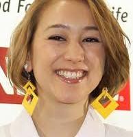 SHELLYというタレントは、米国人の父親と韓国人の母親を持つアメリカ国籍の完全な外国人だ!