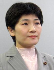 民主党で厚労委理事を務める西村智奈美氏が12日の厚労委の前に、実力行使による渡辺氏の入室妨害などを指示する「作戦メモ」を準備していた。