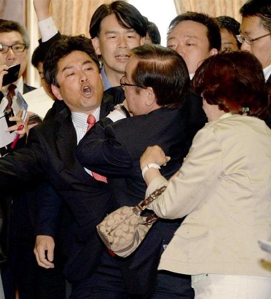渡辺委員長は、窃盗の被害届を警察に出すそうです!民主党議員の逮捕来る?