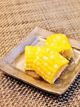 圧力鍋で甘いトウモロコシ (262x350)