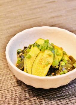 皮むき胡瓜とわかめの韓国風サラダ (254x350)