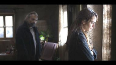 『雪の轍』 アイドゥンとその若い妻ニハル。