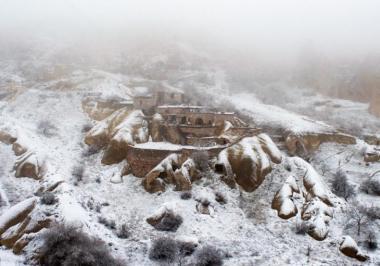 ヌリ・ビルゲ・ジェイラン 『雪の轍』 ラストで雪に覆われるカッパドキア。