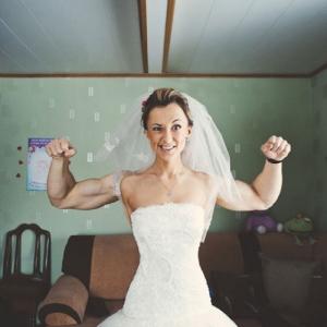 海外おもしろ結婚式画像_筋肉