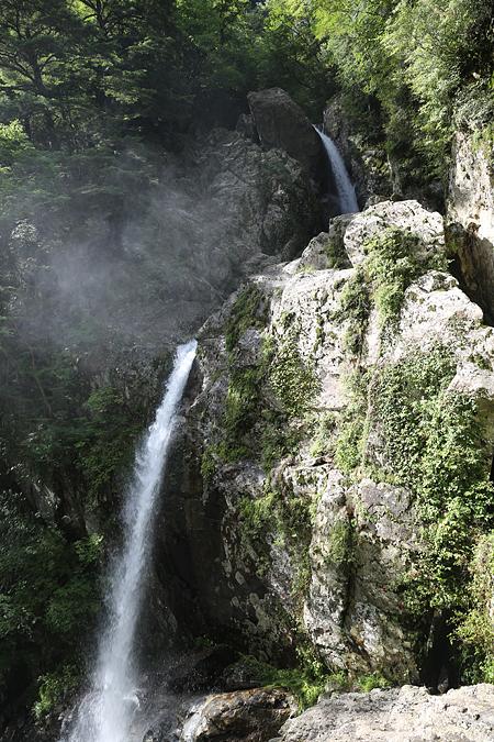 双門コース 滝も水量豊富