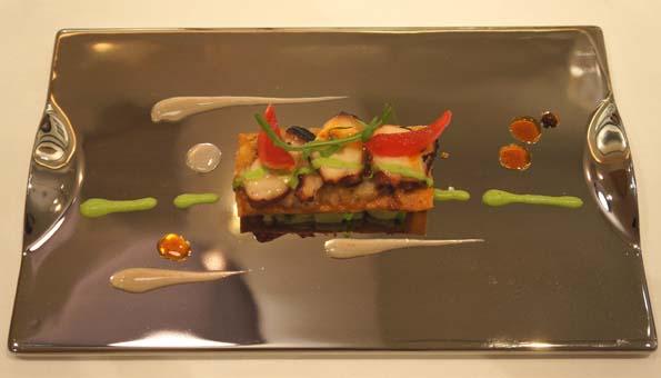 20150728 スリオラ 4 真蛸と豚のど肉のコカ 21㎝DSC09697