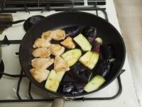 鶏むね肉と茄子の蒲焼き風52