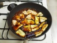 鶏むね肉と茄子の蒲焼き風55