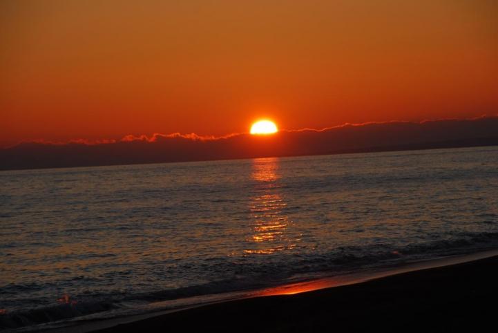 恋問海岸 夕日