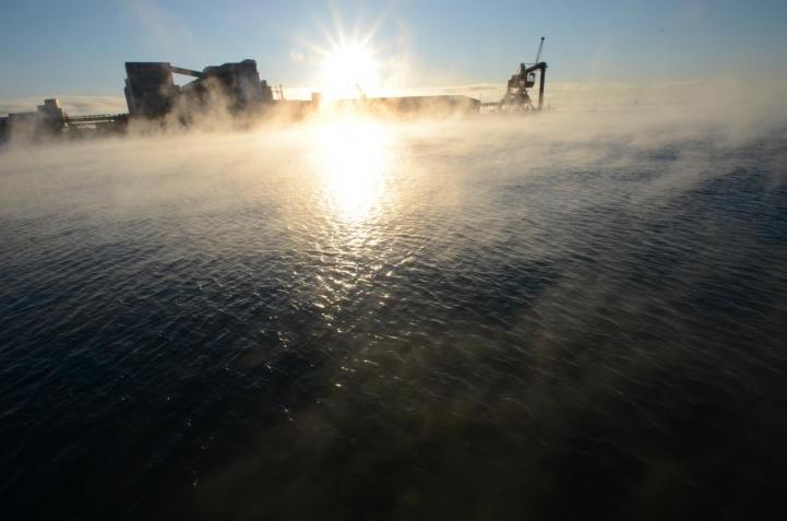 釧路 港の朝です〇