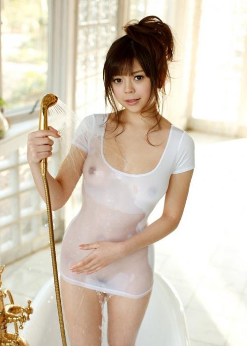 濡れ 透け おっぱい 乳首 13