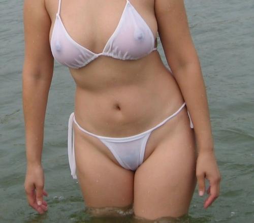 濡れ 透け おっぱい 乳首 34