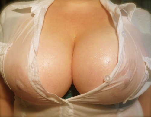 濡れ 透け おっぱい 乳首 39