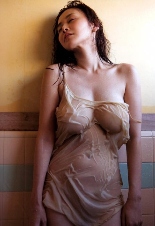 濡れ 透け おっぱい 乳首 49