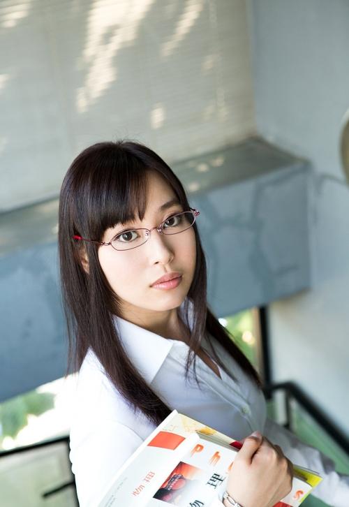 小川桃果 Fカップ AV女優 女教師 01