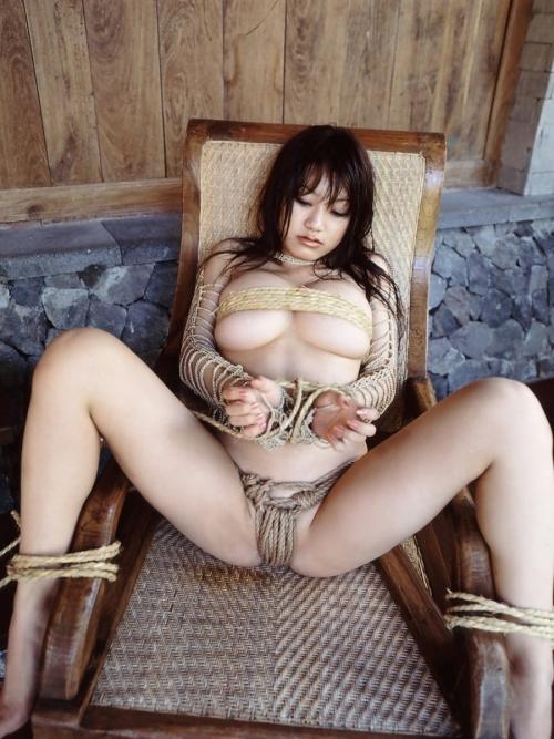 半裸 椅子 ヌード 06