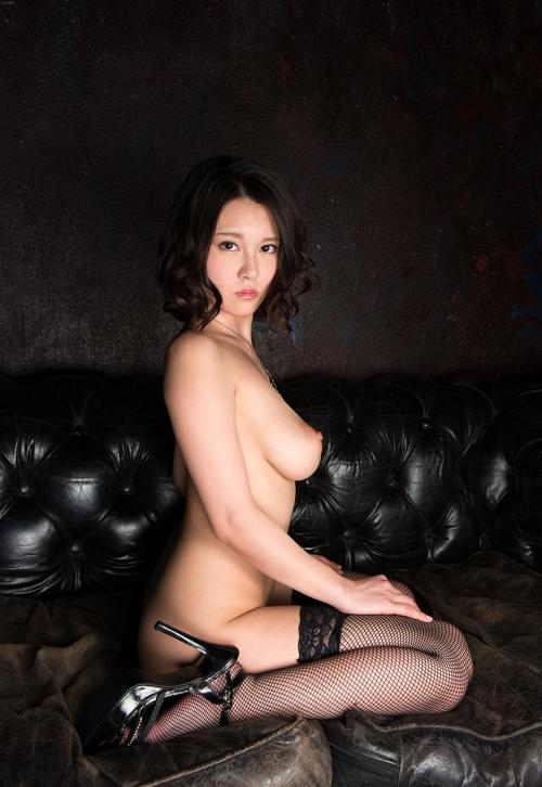 半裸 椅子 ヌード 47