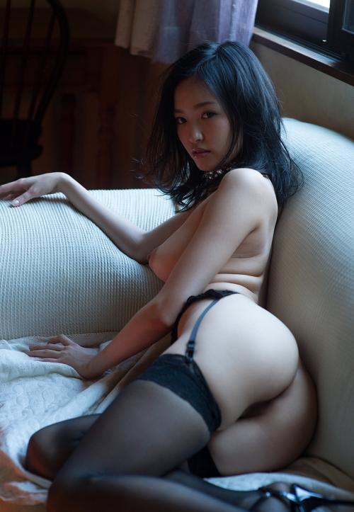 半裸 椅子 ヌード 56