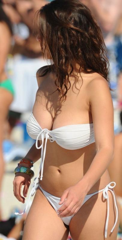外人 巨乳 おっぱい 16