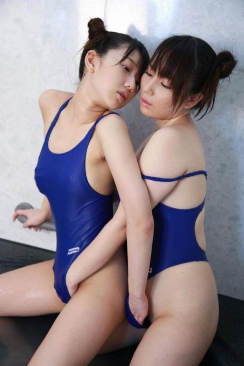 濡れ透け競泳水着 07