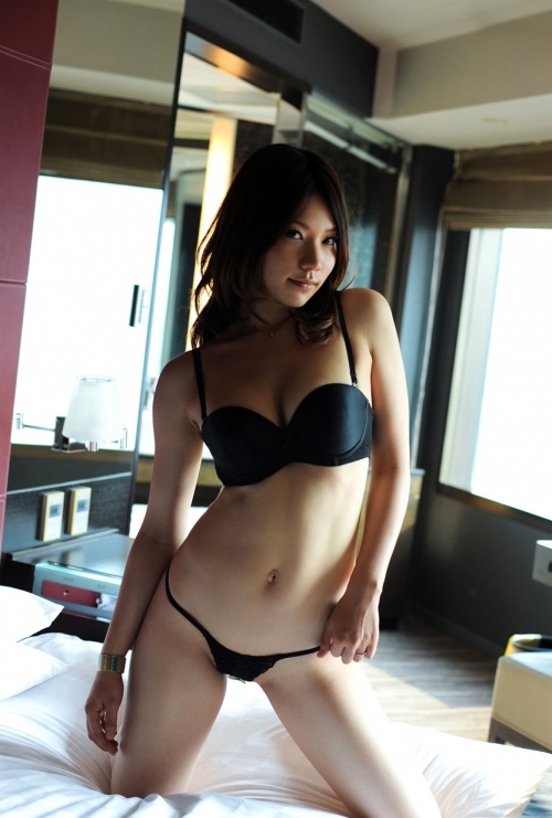 ちとせりこ Hカップ AV女優 人妻 09