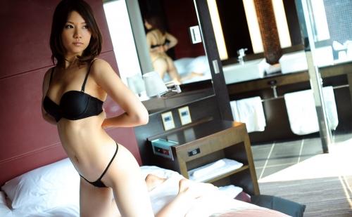 ちとせりこ Hカップ AV女優 人妻 10