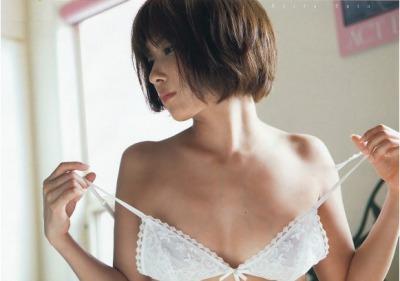 鬼頭桃菜の次にAV新人が噂される元SKE佐藤聖羅のセミぬーど写真