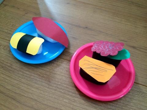 子供 工作 夏休み 寿司 すし 梱包材 色画用紙