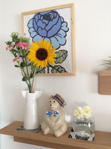 北欧インテリア 北欧雑貨 ディスプレイ 無印良品 飾り棚 リサラーソン ドレス ひまわり ヒマワリ 向日葵