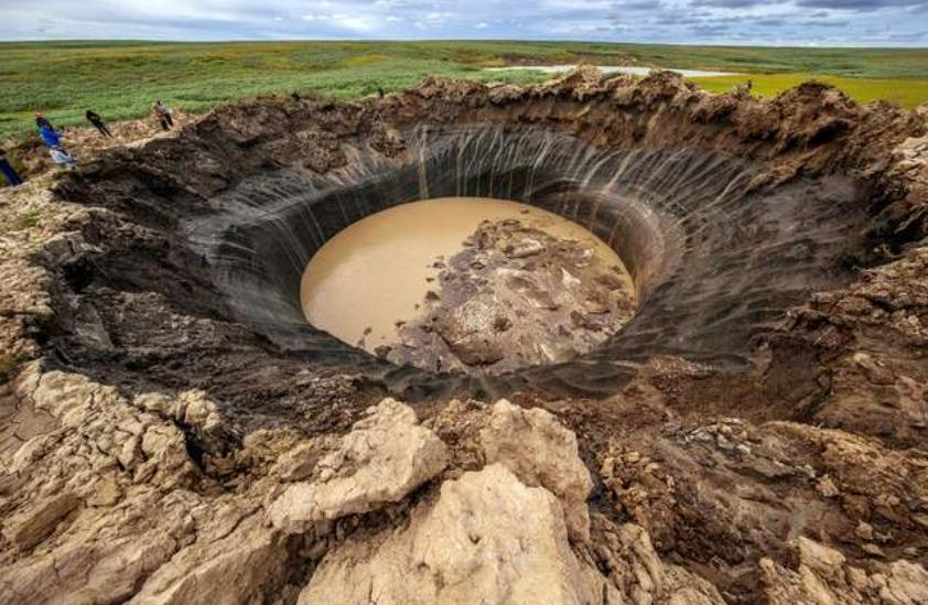 シベリアのクレーター