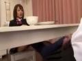 姉の旦那をテーブルの下で足コキする小悪魔JK