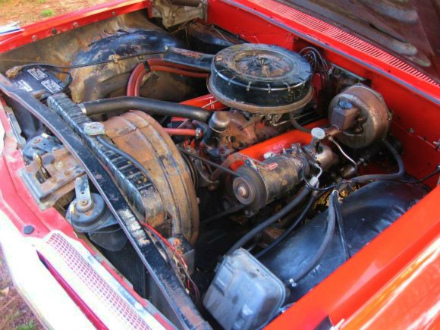 1959_Chevrolet_Impala_Parkwood_Station_Wagon_Engine_1.jpg