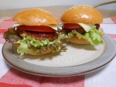P_studiomimosaハンバーガー