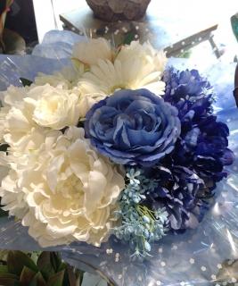 8月3日ブログ供花ブルー