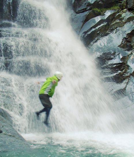 モロクボ沢の滝ダイブ