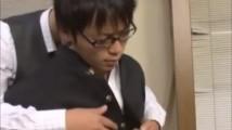 【ゲイ エロ動画 xvideos】ウホッ!大人しそうなメガネ高校生の学ラン脱がせたらイイ体wそしてこの射精の量であるww