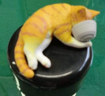 ガラポン猫