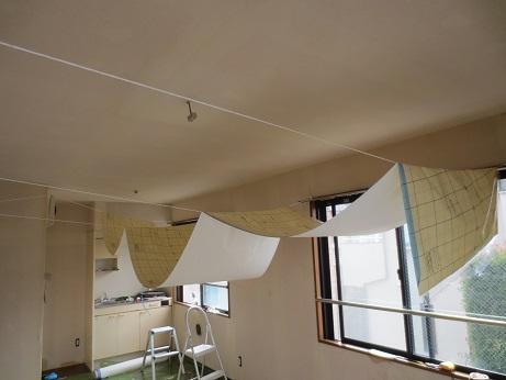 天井クロス貼吊るし