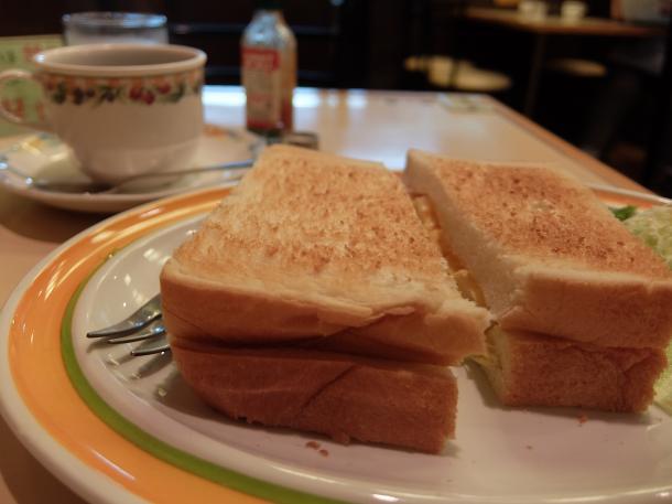 チーズオムレツトースト