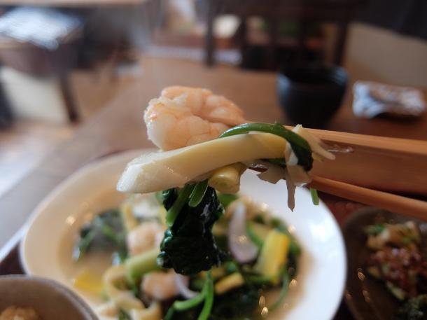 小エビと空芯菜季節野菜の魚醤炒め