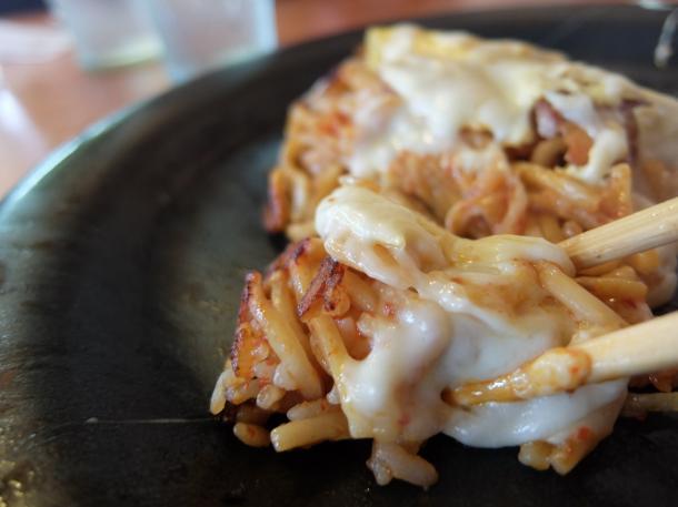 キムチそばめしチーズモダン
