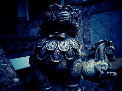 築地本願寺-獅子馬