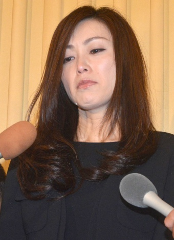 酒井法子、今井雅之さん偲び号泣「こんな私を支えてくれた」