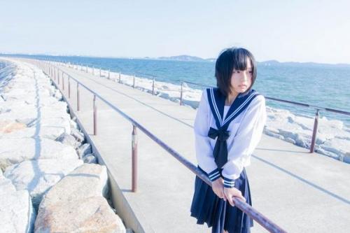 ロリロリコスプレイヤーのあんにゅいちゃん(18)が一年前のセーラー服姿を公開