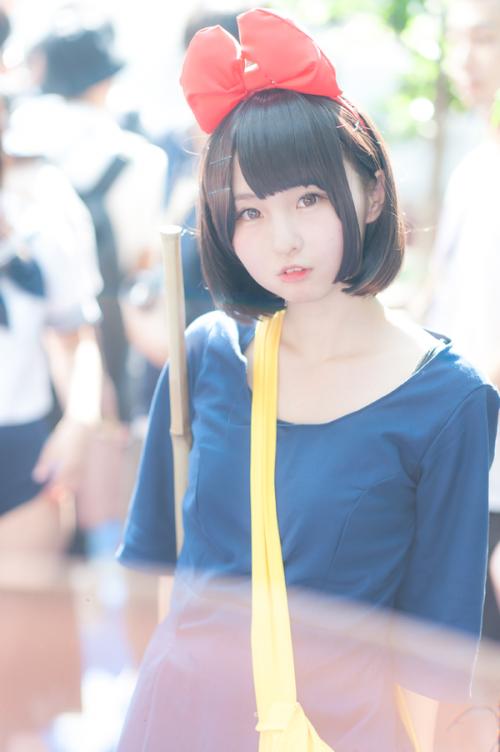 【画像あり】あんにゅい豆腐ちゃん(18)が魔女の宅急便のキキのコスプレキタ━━━━(゚∀゚)━━━━!!