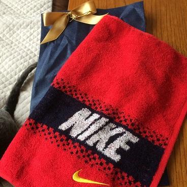 父の日 赤いタオル
