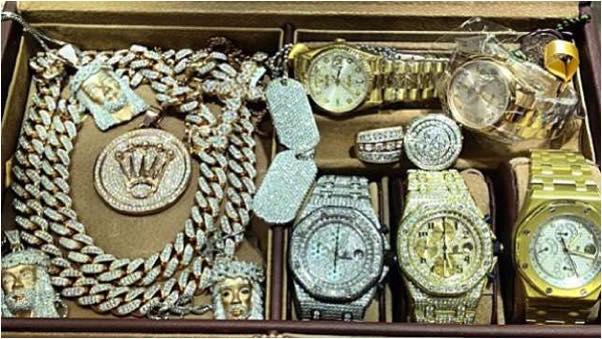 growaroundsean-kingston-jewelry-collection-audemars-piguet-rolex-jesus-piece.jpg