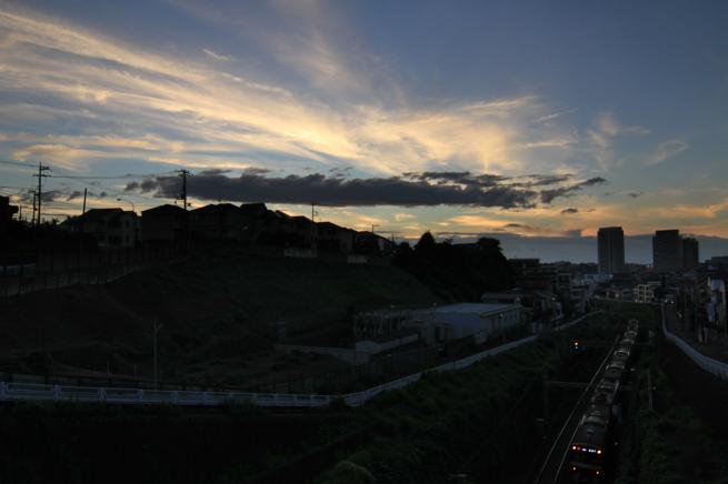 京急と夕焼け7D+003_convert_20150723222525